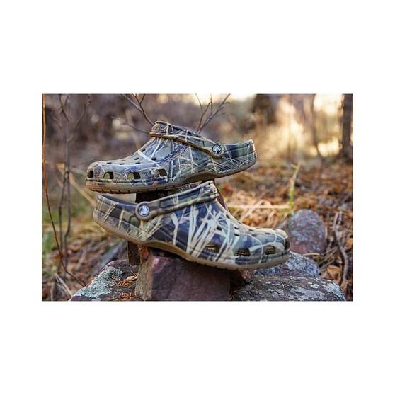 Crocs Men's Classic Realtree Clog, Khaki, bcf_hi-res