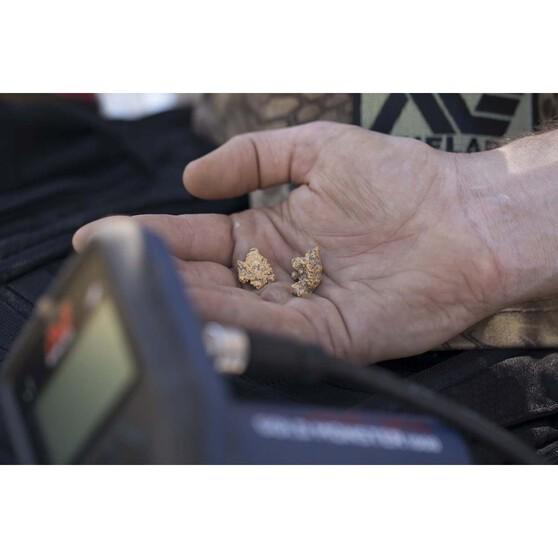 Minelab Gold Monster 1000 Metal Detector, , bcf_hi-res